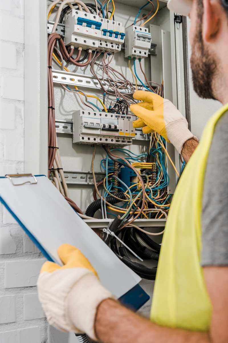 O nás - Elektroinštalácie a elektroinštalačné práce | ELWERO.SK
